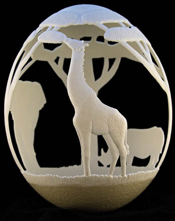 Amazing Sculptures Carved Out of Ostrich Egg