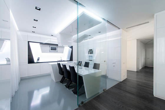 Futuristic Spaceship-like Apartment in Moscow