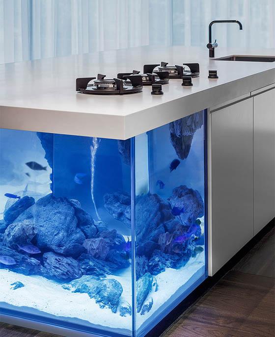 Ocean Kitchen: Giant Aquarium Kitchen Island