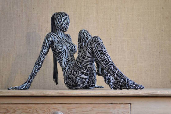 Stunning Wire Sculptures Capture the Beautiful Energy and Fluidity of the Human Body