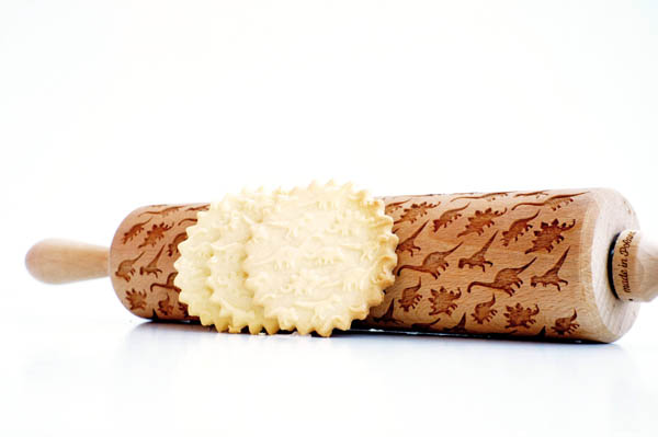 Laser Engraved Rolling Pins Help to Make Your Bakery Standout