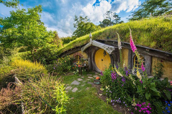 Hobbiton Movie Set: a Great Place to Enjoy the Pastoral Beauty