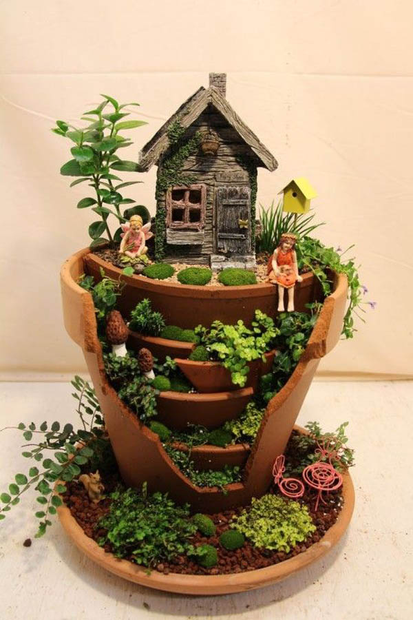 Fairy Gardens Made From Broken Planter – Design Swan