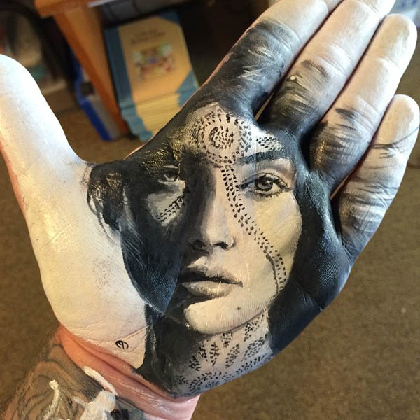 Realistic Portraits on Hands by Russell Powell