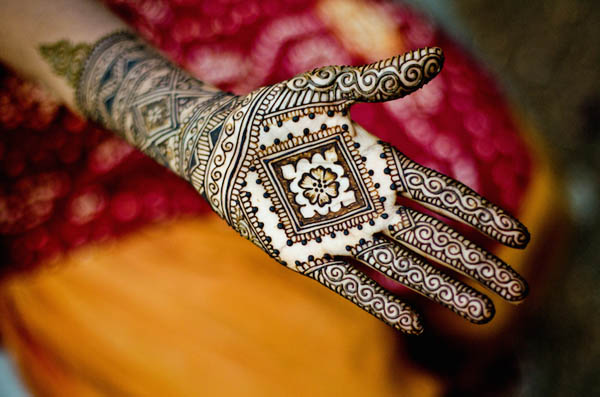 12 Beautiful Intricate Henna Tattoo Patters