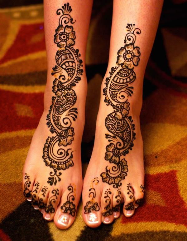 Henna Tattoo On Foot Designs: 12 Beautiful Intricate Henna Tattoo Patters