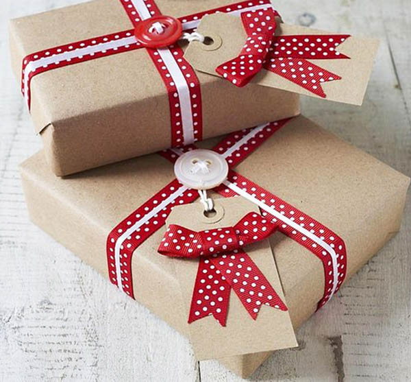 40 most creative christmas gift wrapping ideas design swan for Christmas craft wrapping paper