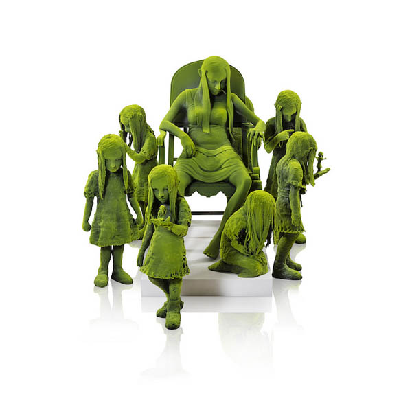 Moss People:Creepy Ceramic Sculptures by Kim Simonsson