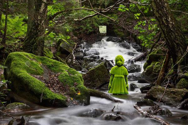 Moss People:Creepy Ceramic Sculptures by Kim Simonsson