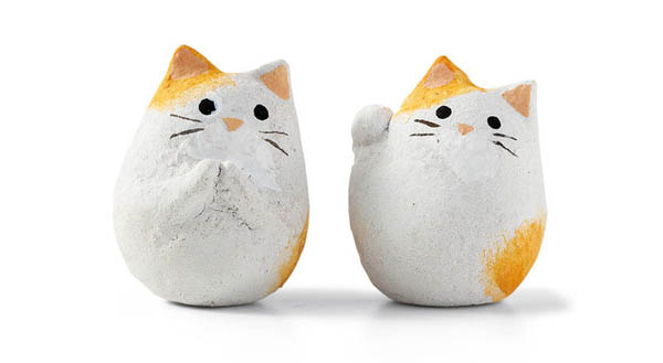 Fortune Cookies? That's Outdated! Now is Fortune Cat