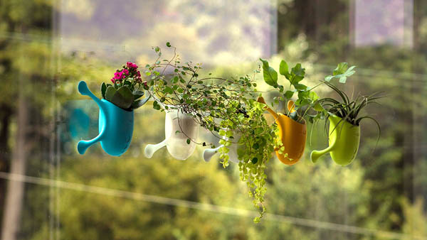 Livi: a Planter Helps to Easily Create a Home Vertical Garden