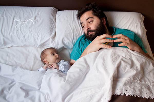 15 Touching Photos of Father and Baby