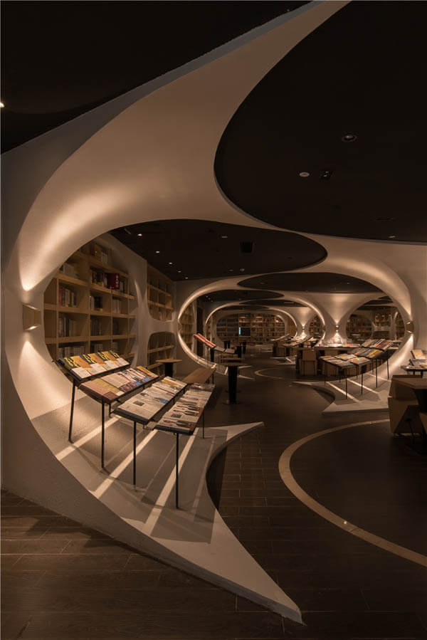 Beautiful Chinese Library Creating a Whimsical Book World with Mirrored Glass Floor