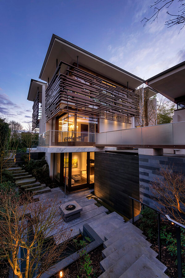 Stunning Floating House in Vancouver, Canada