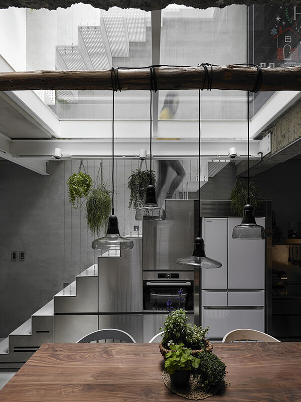 House W: The Unusual Old Three-story Townhouse with Glass Floor in Taipei