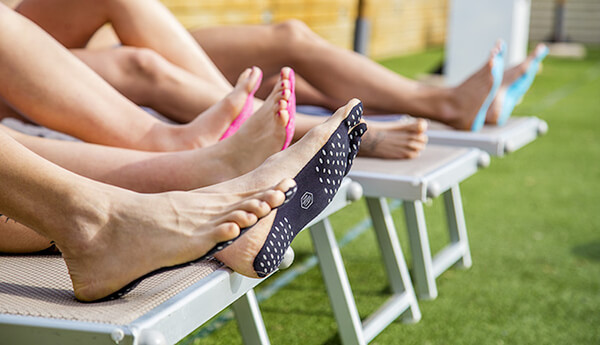 Nakefit: a Weird Adhesive Food Pads to Replace Your Normal Flip Flops