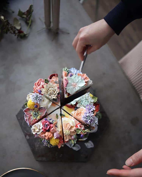 Realistic Floral Cake by Atelier Soo