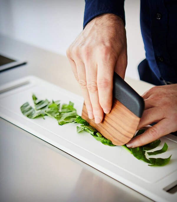 A Salad Knife That Does More Than Just Cut