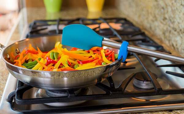 6 Creative Utensil Saver Designs