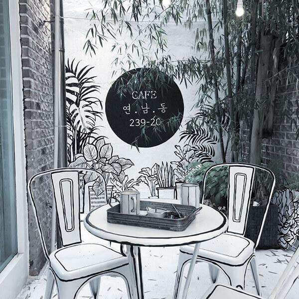 Unique Comic Style Café in Seoul