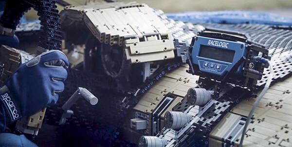 Bugatti Chiron Built Out of 1 Million LEGO Bricks