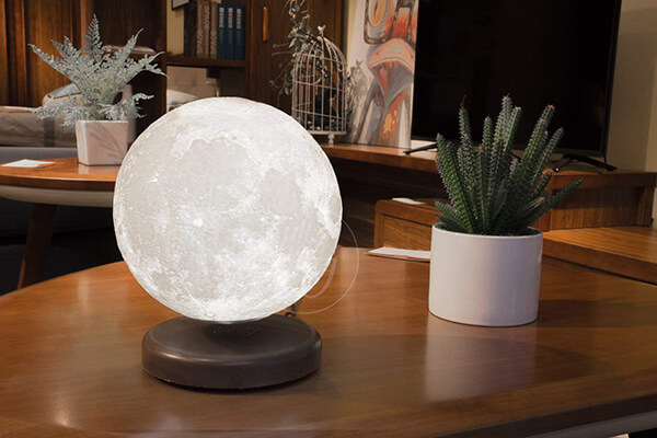 Levimoon: Magnetic Levitating Moon Lamp