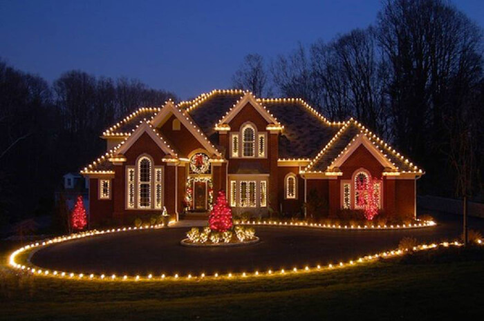 Beautiful Outdoor Christmas Lighting in Neighbourhood