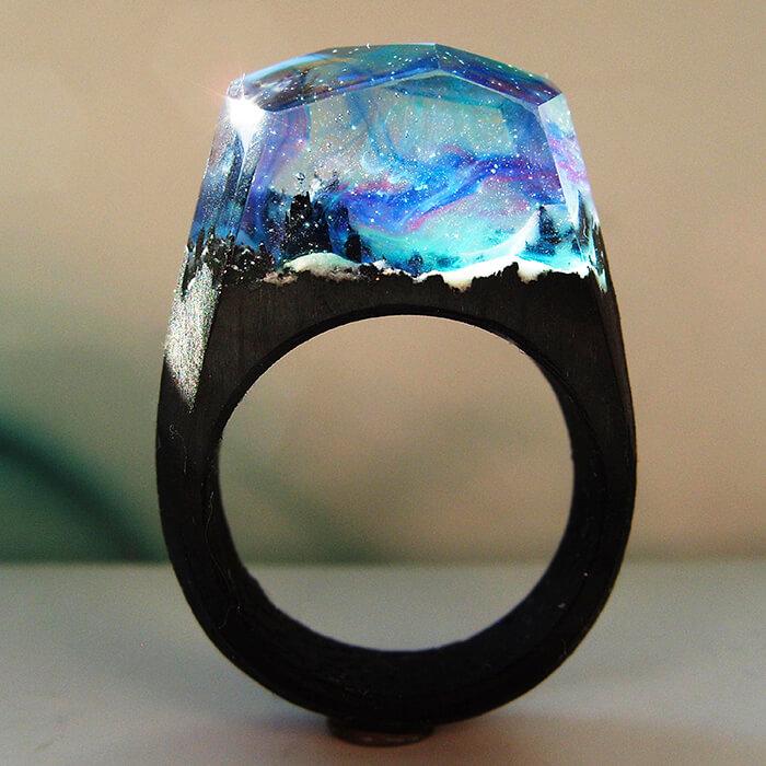 Handmade Resin Rings Holds a Secret Mini World Inside